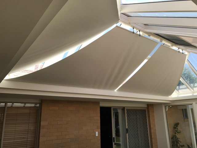 Outdoor Blockout Motorised Conservatory Blinds Skylight